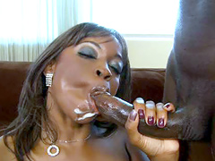 Beautyfull ebony lady suck gigantic black cock and eat cum