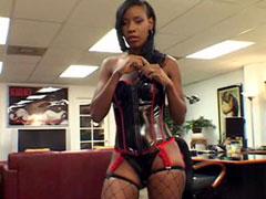 Hot ebony model Lady Armani gets her anal hole fucked