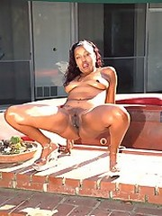 Thick assed black babe putting out for..