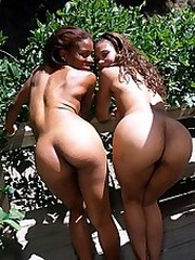 Two ebony girls go muff diving for..
