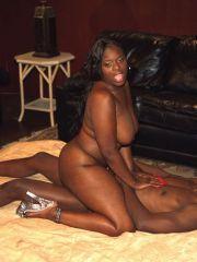 African mamas naked