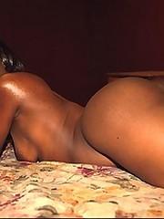 Ghetto girl posing naked for drug money