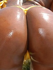 Horny round and brown ebony sluts get..