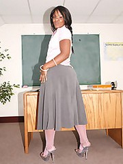 hot black teacher gets her fat ass..