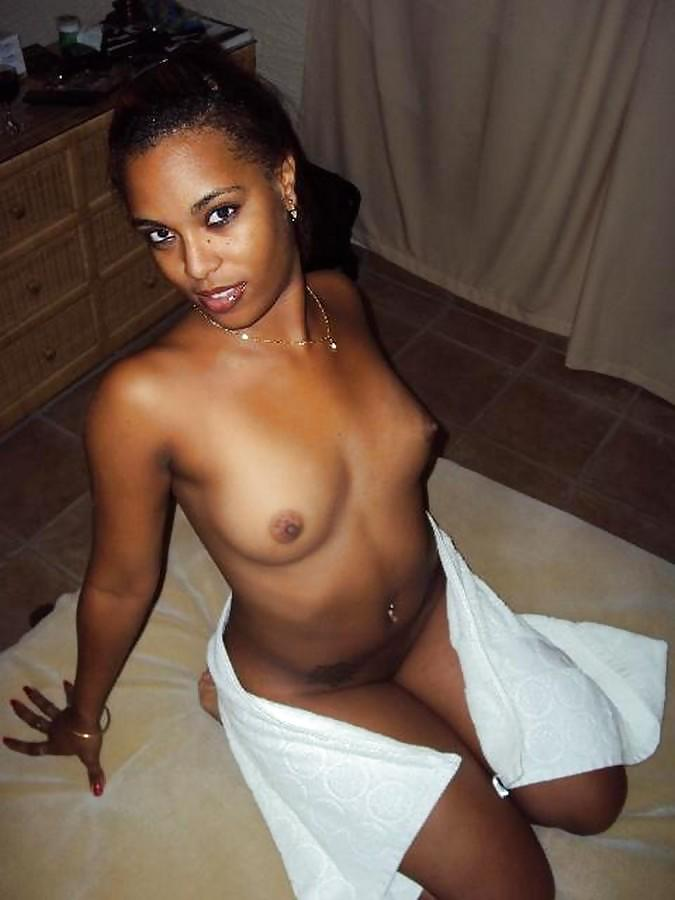 African porn photos large photo busty ebony spreading her twat