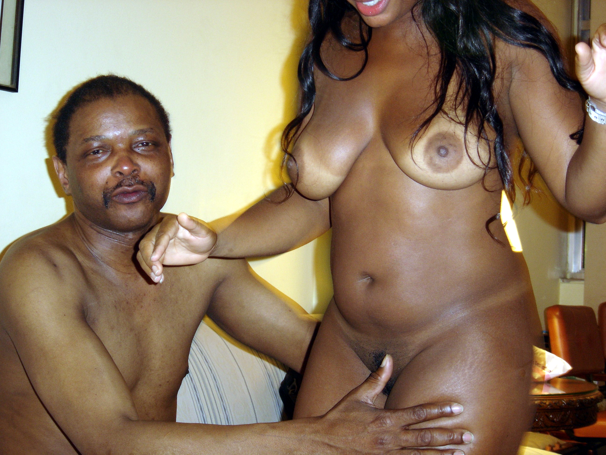 Sexy amateur ebony black tthats rough!