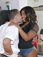 Ebony milf Dee Rida enjoys hardcore coitus increased by cumshot invalid her ass