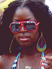 Ebony hottie on a beach. Sexy amateur pics for You!