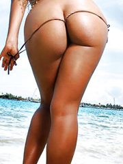 Only juicy big black butts! This babe just a sexy !