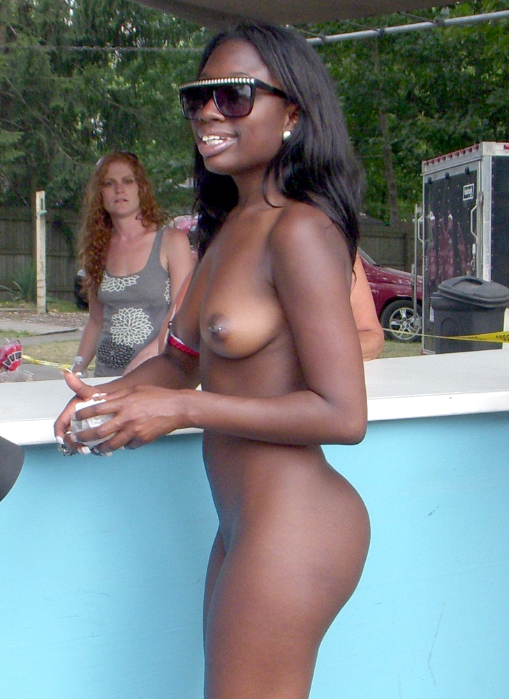 Idea seems Ebony fully naked boobs apologise, but