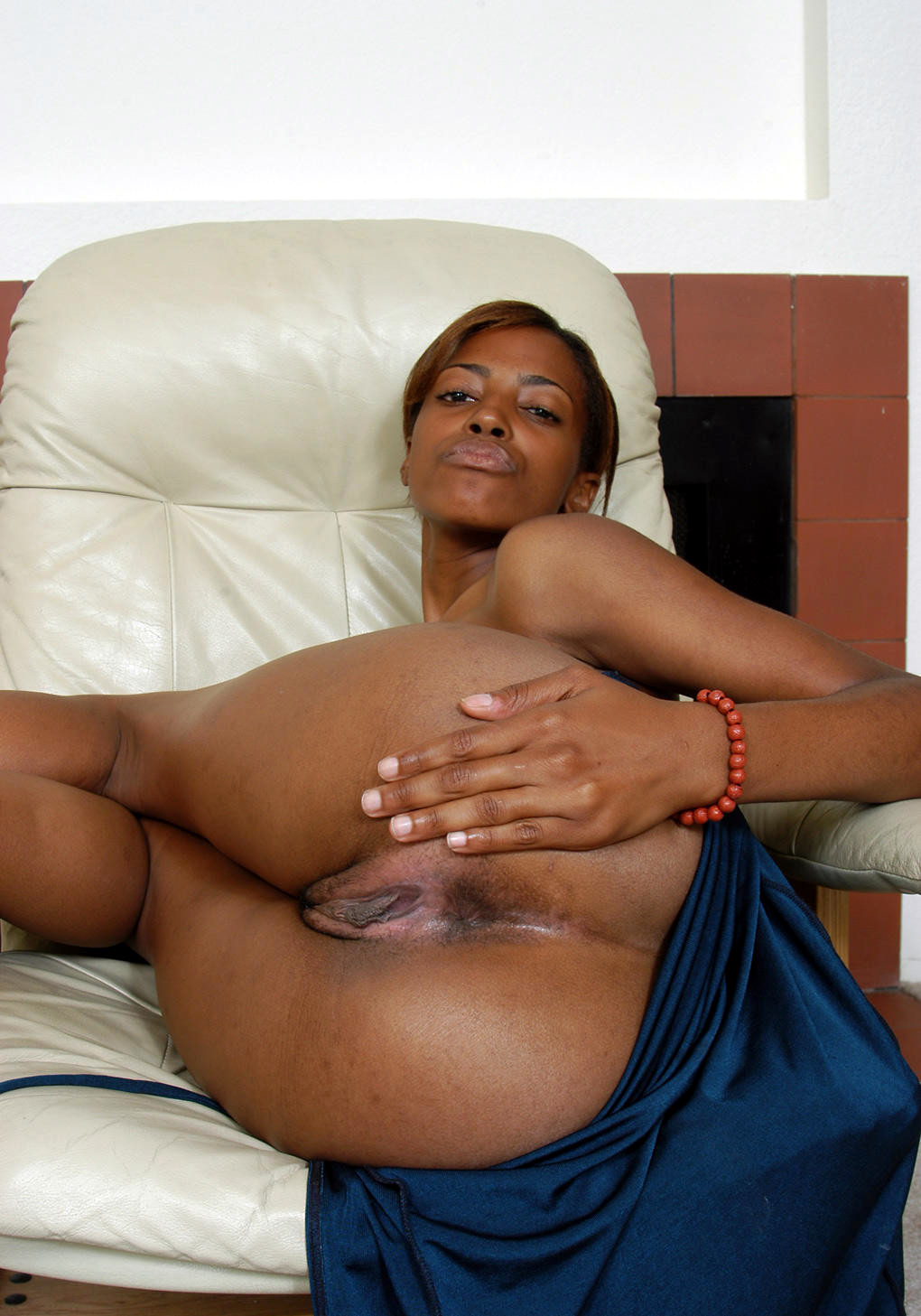 african porn photos. large photo #3: fat pussy lips and deep vaginas