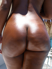 Exquisite black asses, they will dream..