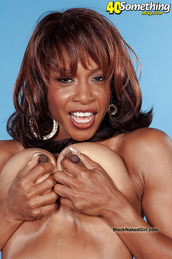 Mature ebony babe Semmie deSoura demonstrating her fine.. Photo #15   Back  On Gallery
