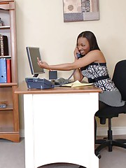 Gloomy office secretary Roxy Reynolds stripped apropos stockings and banged