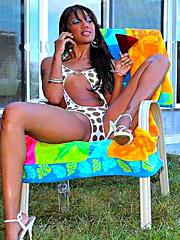 Amazing hot ass kapri gets her bikini..