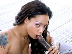 Pornstar Jazmine Cashmere gets anal penetration outdoor. Jazmine Cashmere