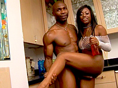 Jada Fire's been lusting for big niggas dong for a long..