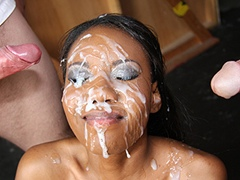 Cumbang video, model Nina Devon