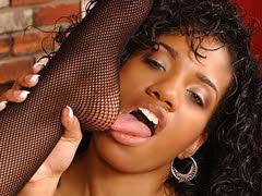 Sexy ebony slut using her toes to..