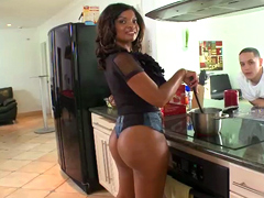 It's a lazy Sunday morning at the crib, and big booty ebony babe Dee Rida and her man decide to have some..