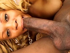 Petite Melrose Foxxx eating big ebony rod and hardcore..