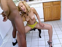 Pretty blonde ebony Melrose Foxxx suck big cock and eat..