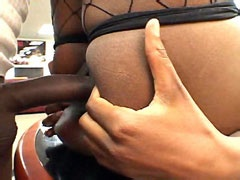 Ebony girl gets fucked in shaved pussy..