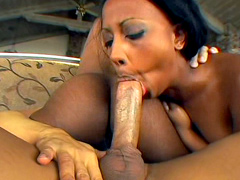 Sexxi & Kyla Marshall, unconforming..