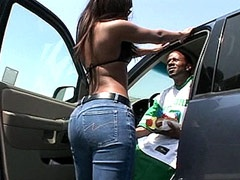 Hot ebony whore blowing and riding big..