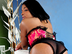 Watch Bonnie, A Hot Shemale Show Her Dick For The First Time