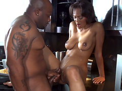 Long legged ebony hottie Evanni Solei fucks on the kichen