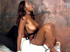 Ebony in lingerie have orgasm while facesitting and pussy licking