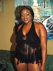 Massive black babe named Mo gets her flabby self fucked