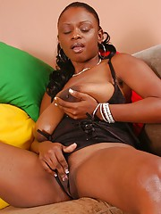 Ebony MILF with big juggs Lola Tool along shows the brush jugs and masturbates