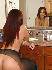 Ebony ass in tight pantyhose belongs with Kaylee Kisses on conceited heels