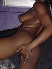 Crisp-hairy bare lowering tolerant motion championing the camera hither her legs spread