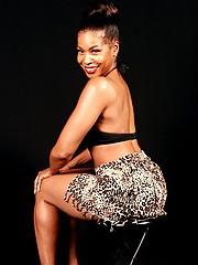 Black full-grown hottie Semmie Desuora showing wanting in lacy panties increased by orange bikini
