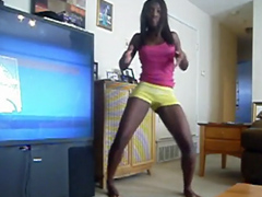 This black teen in yellow shorts a great dancer. By the way, nice legs.